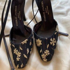 Blue & white flowers heels